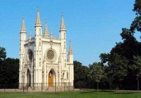 Церковь Александра Невского в Петергофе Санкт-Петербург