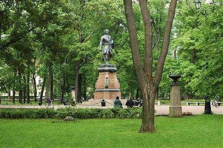 Петровский парк Санкт-Петербурга